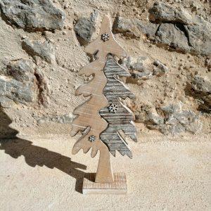 ÁRBOL MADERA DE NAVIDAD Decoración de Navidad árbol de Navidad madera, el árbol es marrón, gris y blanco. medidas altura 38 x 14 x 2 cm apro. base 5 x 10 x 1,5 cm apro.