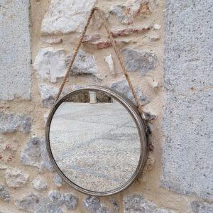 ESPEJO REDONDO MARCO PLATA 45 diametro X 6 ancho X 70 alto con cuerda CM Espejo redondo metal marco plata envejecido, con cuerda para colgar.